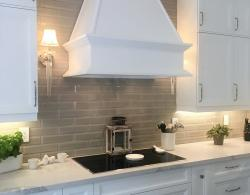 Canopy hood in matching cabinetry Newmarket Kestle Interiors