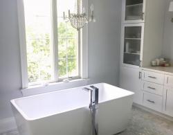 Free-standing tub Thornhill